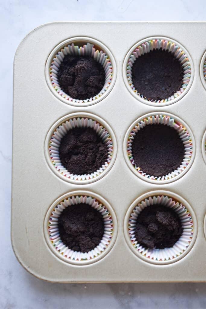 No Bake Oreo Cheesecake Muffin Tins